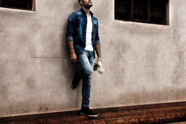 The Elite Men's Guide: 7 Stylish Ways to Look Better with Casual Jeans