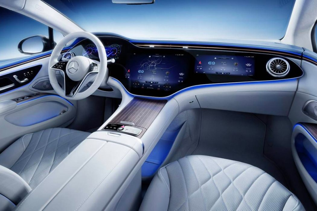 2021 Mercedes-Benz EQS: Check Out that Gigantic Hyperscreen Dash